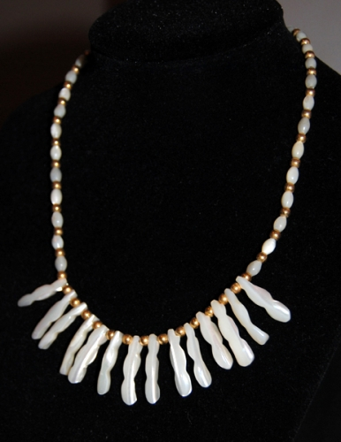 Mother of Pearl Necklace - Vintage