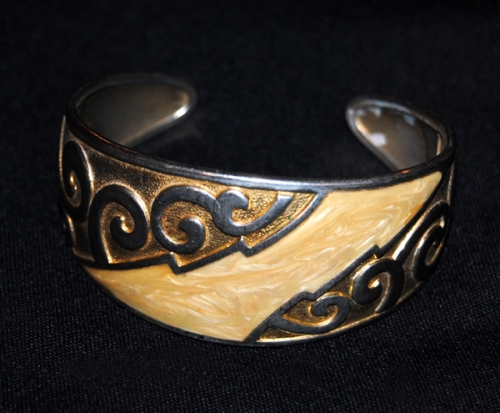 Heavy Bangle Bracelet - Native American Inspired - Vintage - Free Shipping